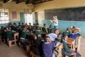 Nuestra voluntaria Pilar impartiendo clases de español